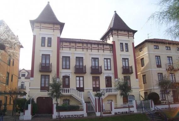 Fachadas exteriores Avenida de los Castros