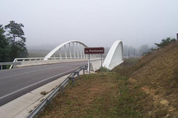 Puente sobre el Río Pontones